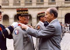 4 Mai 1991 - Commandeur de la Légion d'Honneur - Décoration par le Président Mittérand